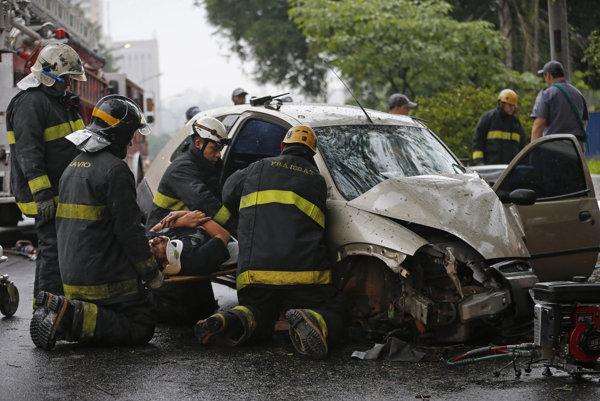 Jezivi udes u Holandiji: 150 automobila u lančanom sudaru, ima mrtvih..!