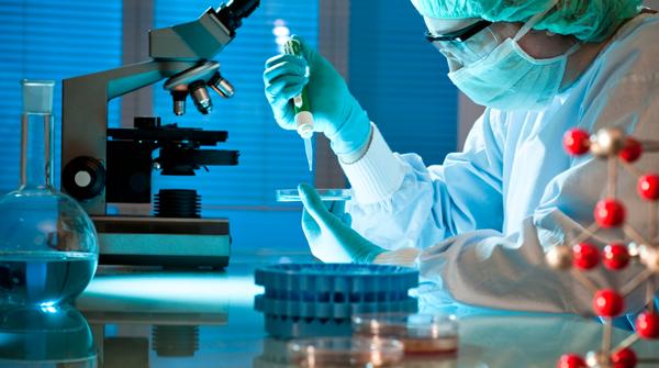 lekari- doktori- laboratorija- istrazivanje