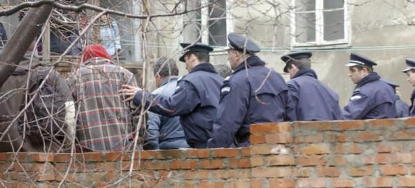 srbija- iseljenje- policija