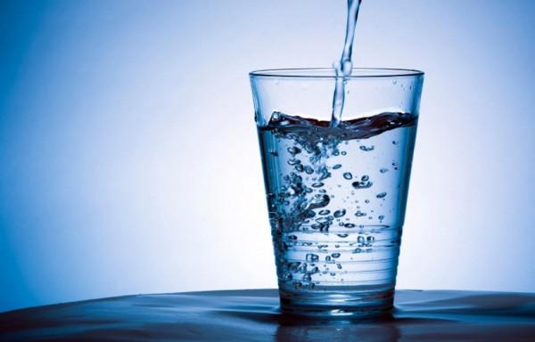 voda- čaša