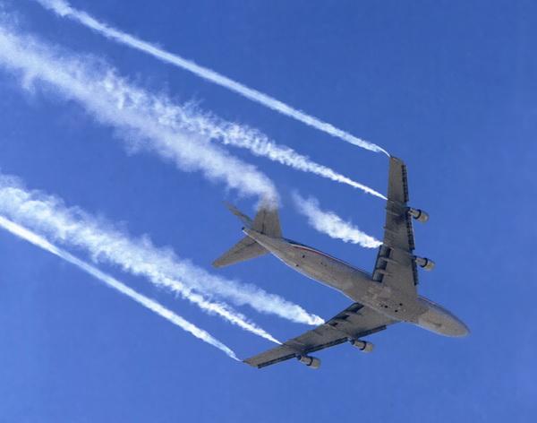 avion- mlaznjak- kemtrejlovi