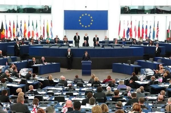 DER SPIEGEL: Berlin sada smatra prihvatljivim izlazak Grčke iz evrozone..