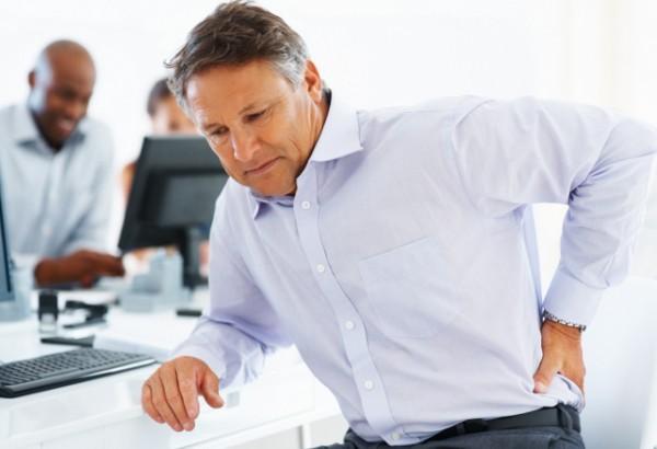 Zadišete se dok se penjete uz stepenice? Osećate jak bol u leđima ujutru kada ustanete? Uradite ovih 5 testova i otkrijte da li je sve u redu s vašim zdravljem..