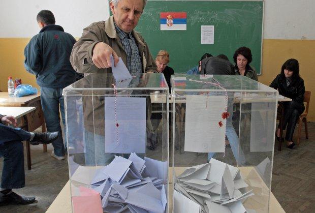 Vučić neće predlagati premijera, građani donose odluku na novim izborima u avgustu..?