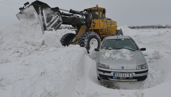 sneg- automobil 2