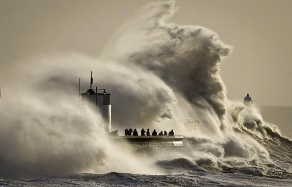 More u Hrvatskoj se diglo metar iznad obale: Od jutros se samo priča o vodenoj katastrofi (VIDEO)
