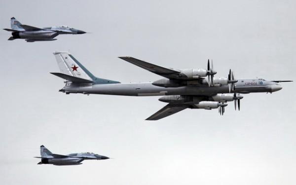 Tupolev_Tu-95_rusija avioni03