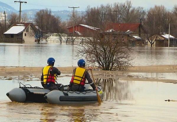 Spasioci-poplava