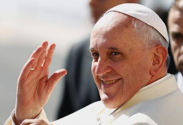 """Papa izazvao """"zemljotres"""" u Vatikanu: Objavljen dokument koji uvodi gej osobe u crkvu!"""