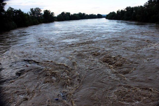 Reka Drava podigla na noge celu Hrvatsku: Stiže vodeni talas dug 20 kilometara!