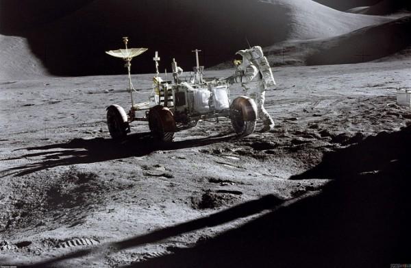 mesec- astronauti 2