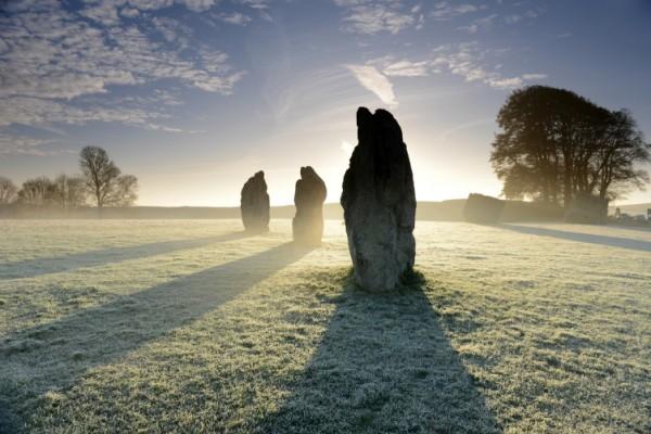 stecak- kamen- drevno