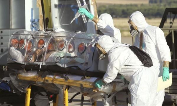 ebola- maska- virus