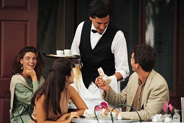 konobar kelner