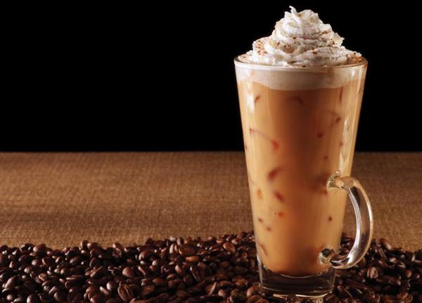 Evo kako da napravite savršenu ledenu kafu kod kuće (RECEPT) (VIDEO)