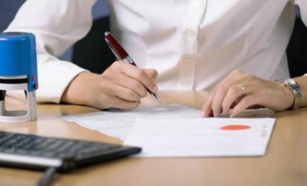 Da li su građani u obavezi da overavaju ugovore kod notara ili mogu da biraju gde je jeftinije?!