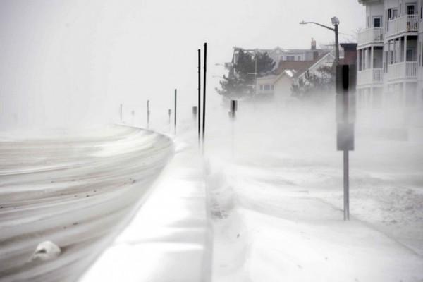 snezna oluja zima sneg