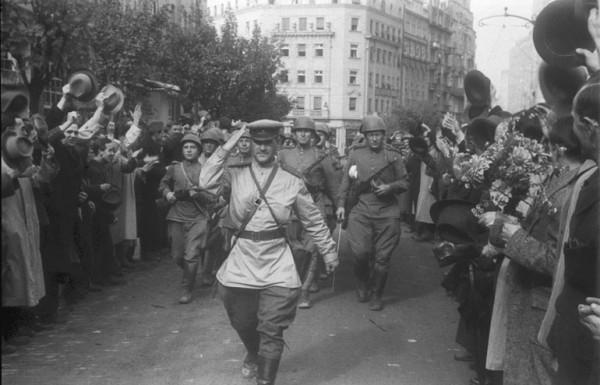 Ovako je oslobođen Beograd- Ulazak Crvene armije i NOVJ-a 20. oktobra 1944.!- VIDEO