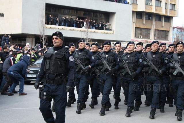 siptari- albanci- kosovo- specijalci- policija 1