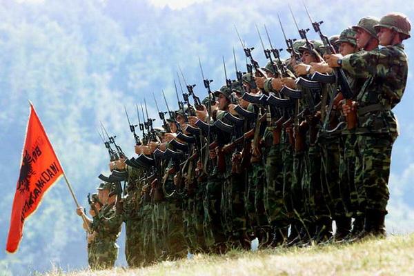 """CRNA GORA U VELIKOJ OPASNOSTI: """"Albanska narodna armija"""" preti ratom Crnoj Gori, pregazićemo vas zbog granice!"""