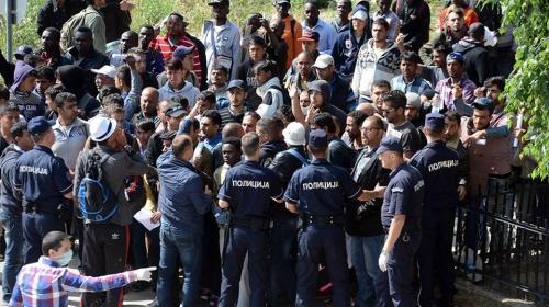 KRITIČNO: 40.000 azilanata na granici čeka da uđe u Srbiju! Među njima se kriju džihadisti koji spremaju napad na Srbe?!