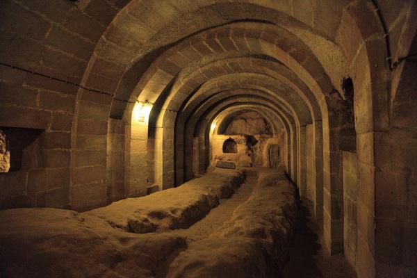 tunel- grad- podzemlje