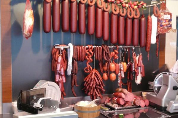 meso- kobasice- salame- suhomesnato