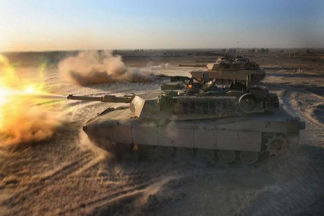 Stotine tenkova SAD stoji na granici sa Sirijom, svakog trenutka se sprema napad! (VIDEO)
