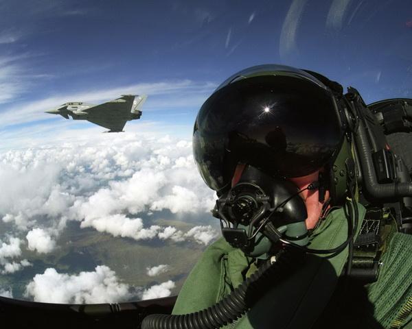 avion- pilot- eurofajter- tajfun