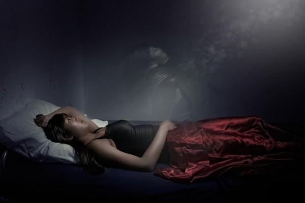 zena- snovi