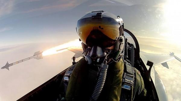 NA IVICI OBJAVE RATA: Sirijci pogodili izraelski avion, Izraelci bombardovali Damask i SLUČAJ PRIJAVILI RUSIJI!!