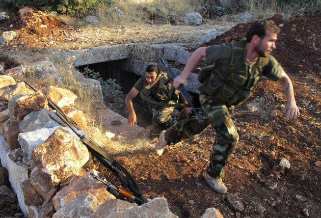 Kad Asadova vojska napravi pakao, evo kako džihadisti ostavljaju oružje i beže (VIDEO)