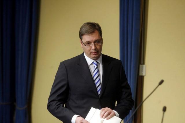 Vučić najavio povlačenje