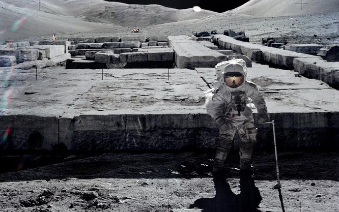 mesec- astronauti