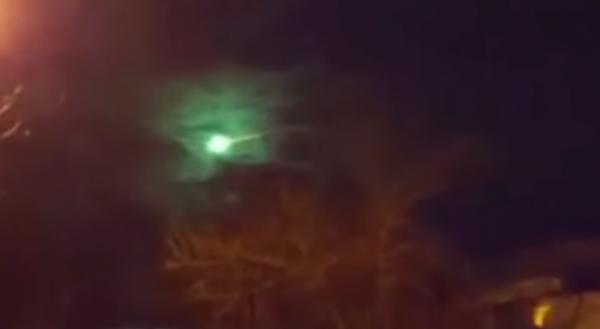 meteor-svetlost-nlo-noc