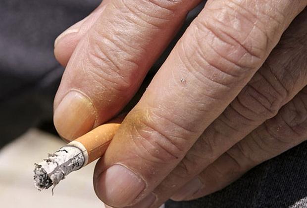 prsti-duvan-cigarete