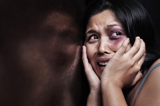 zena- devojka- zlostavljanje- prebijanje- mucenje