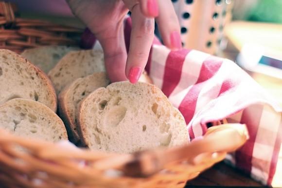 hleb-testo