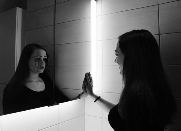 ogledalo-devojka