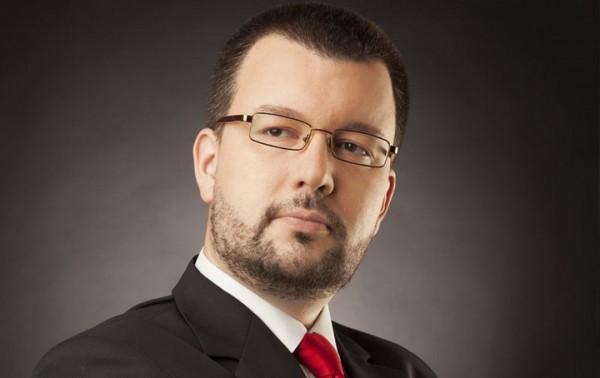 ANTIĆ OTKRIVA KOLIKO SMO NISKO PALI: Prvo je Tadić prodao skoro sve a onda su došli Vučić i SNS da nas dokrajče!