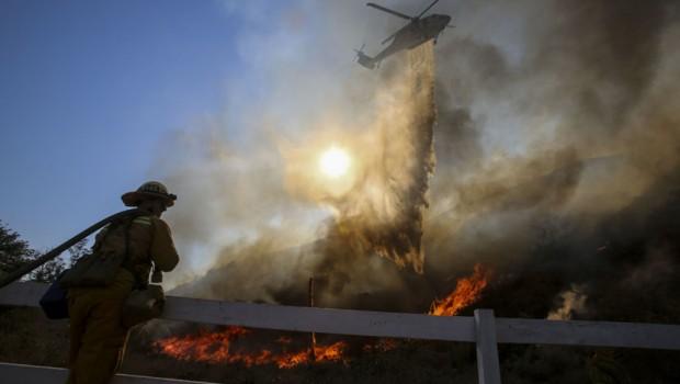 Pozar-u-Kaliforniji-Kalifornija-vatrogasci-