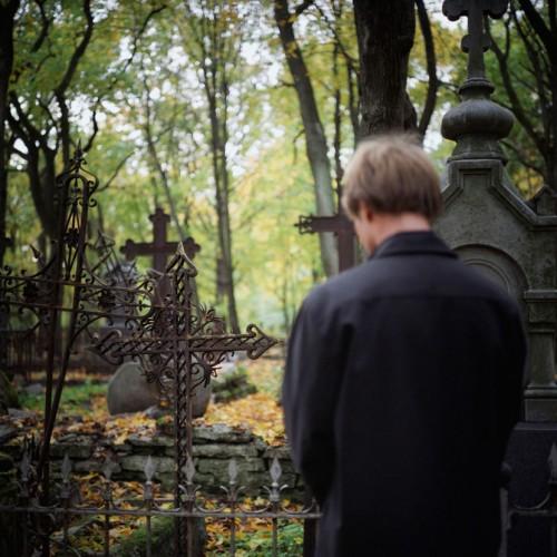 covek-groblje