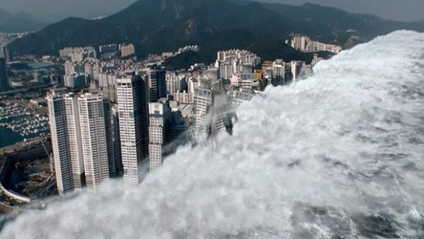 JEDAN OD NAJSNAŽNIJIH ZEMLJOTRESA U ISTORIJI POGODIO AMERIKU: Izdato upozorenje za cunami! Talasi visine 10m prete duž cele zapadne obale SAD! (VIDEO)