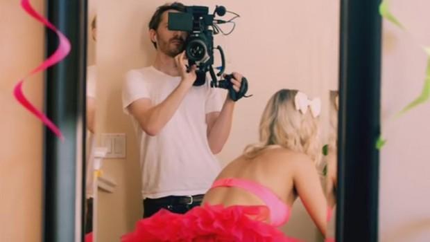 Sex kamerama parovi video pred Parovi: Zmaj