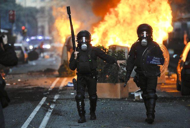 spanija- policija- neredi- protesti