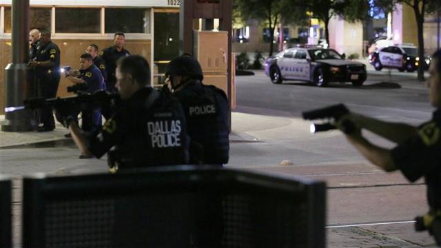 amerika- policija- sad- usa- dalas