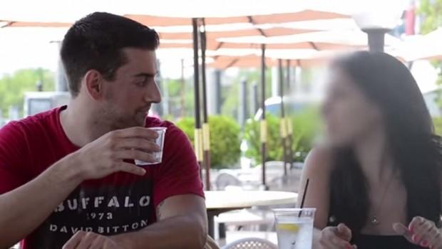 ZGRANUĆETE SE: Pogledajte koliko je lako ubaciti nekome drogu u piće! (VIDEO)