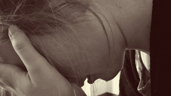 Opada vam kosa, preterano se gojite u struku: Ovo su znaci podmukle ženske bolesti!