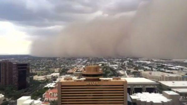 Peščana OLUJA bukvalno progutala milionski grad FENIKS u Arizoni: Pogledajte SNIMAK!