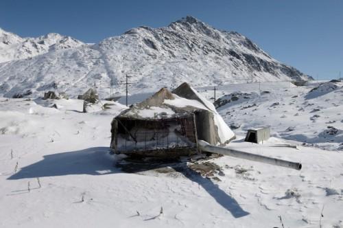 bunker-svajcarska-planina-alpi-bankari-novac-pare-skloniste-1